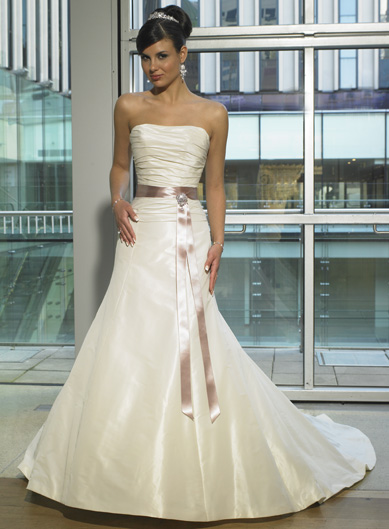 Simple and elegant wedding dress suggestions? - Weddingbee