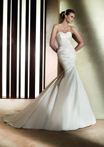 Alma Pronovias size 6 & 14 Off White In Stock